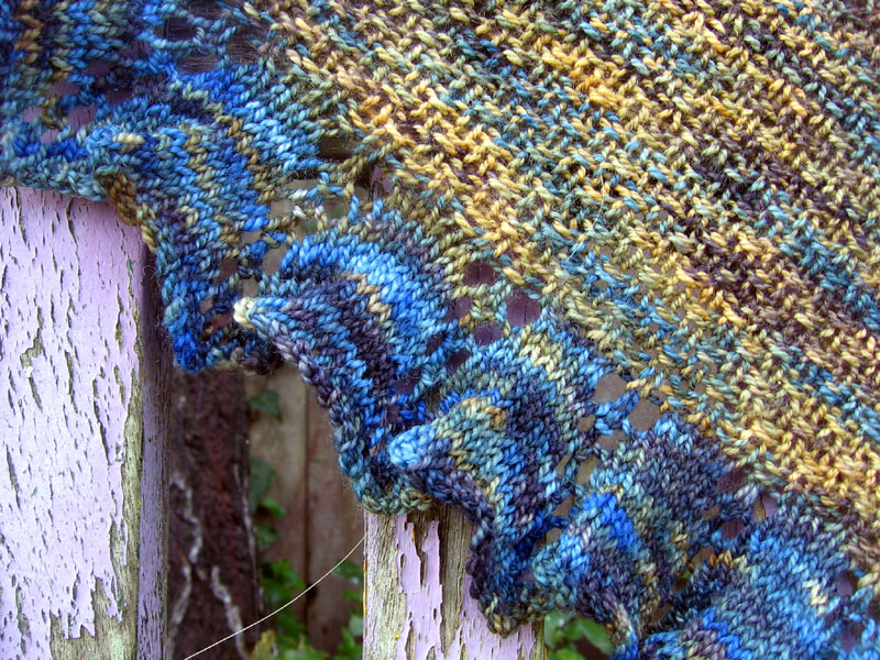 Detail of the moss stitch shawl