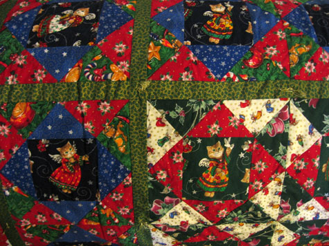 Christmas cat quilt, detail